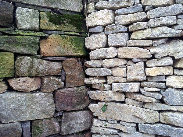 zwei Generationen Mauern